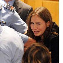 Omicidio Meredith Kercher: le reazioni alla sentenza di assoluzione per Amanda Knox e Raffaele Sollecito