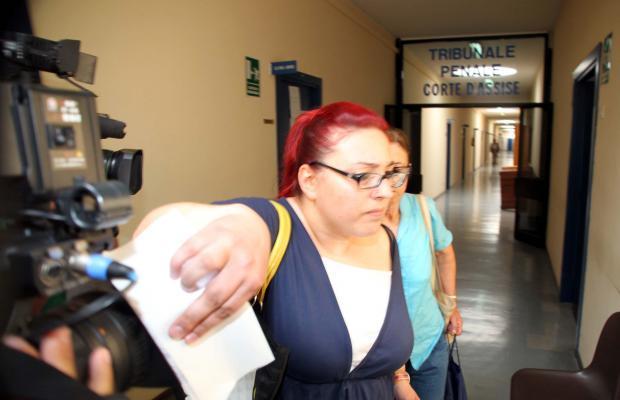 Sarah Scazzi strangolata con una cintura: in aula il medico legale e Valentina Misseri