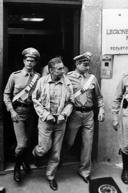 Enzo Tortora, il calvario di un uomo per bene. Era il 1983, noi lo ricordiamo così.