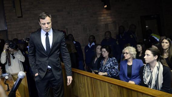 Pistorius, la condanna: 5 anni di carcere