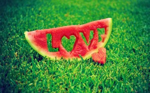 Watermelon-Love-Grass_2560x1600